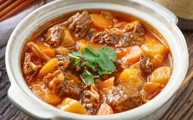 Bò hầm khoai tây