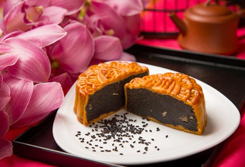Bánh trung thu mè đen