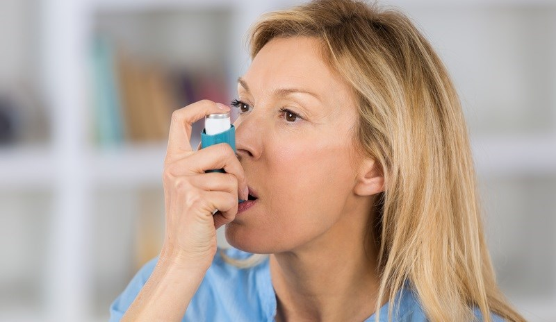Cam thảo làm dịu các tình trạng hô hấp