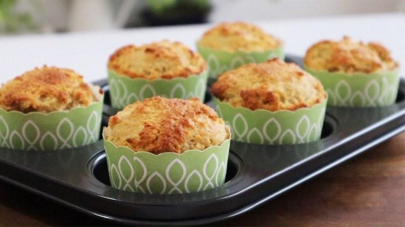 Muffin táo hạnh nhân