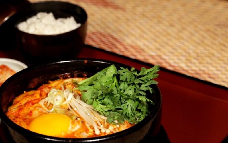 Mì udon kimchi