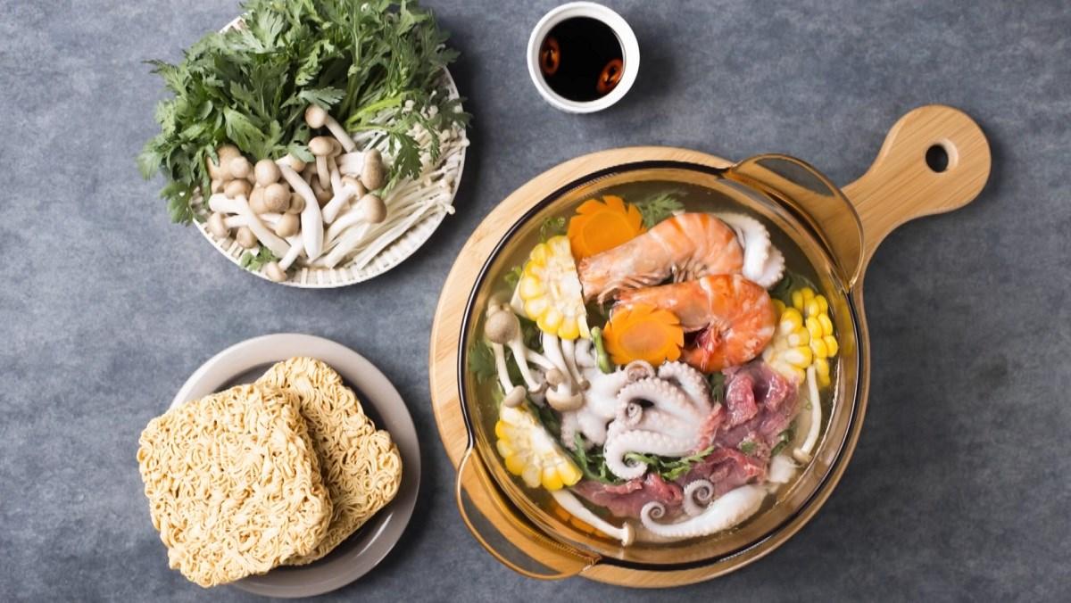 2 Cách nấu lẩu bạch tuộc chua cay đơn giản, hấp dẫn cho ngày mưa