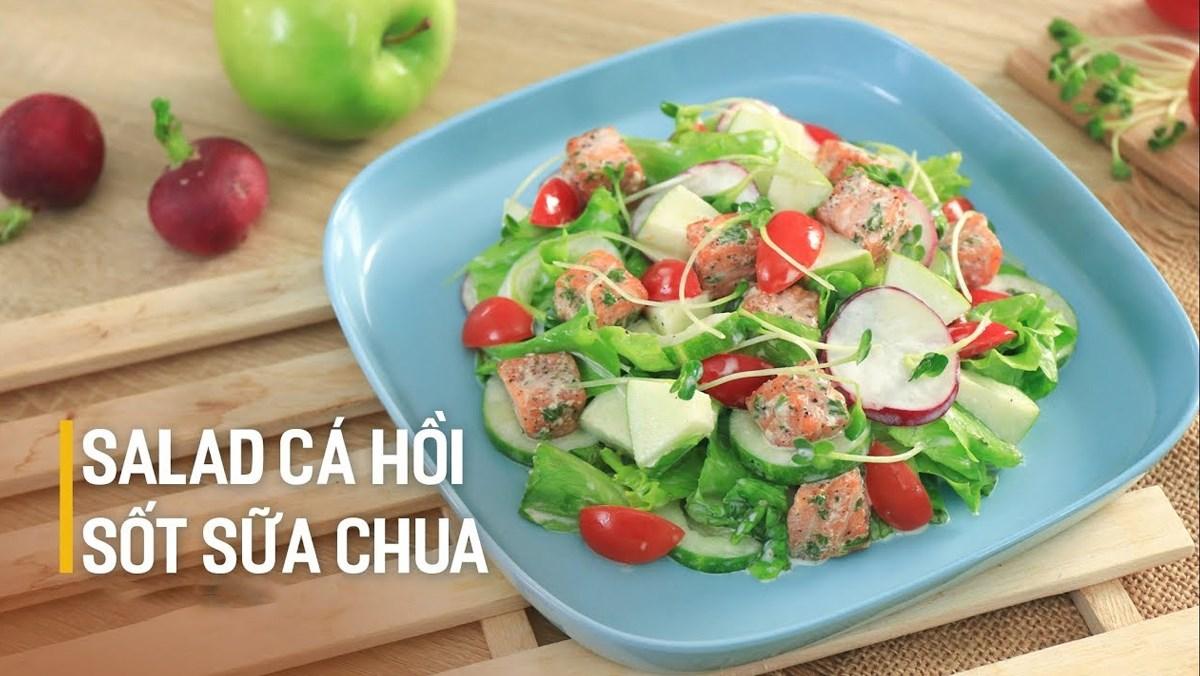 Salad cá hồi sốt sữa chua