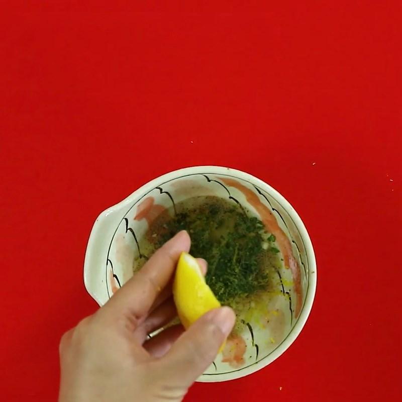 Bước 4 Làm sốt dầu giấm Salad  cá hồi dầu giấm