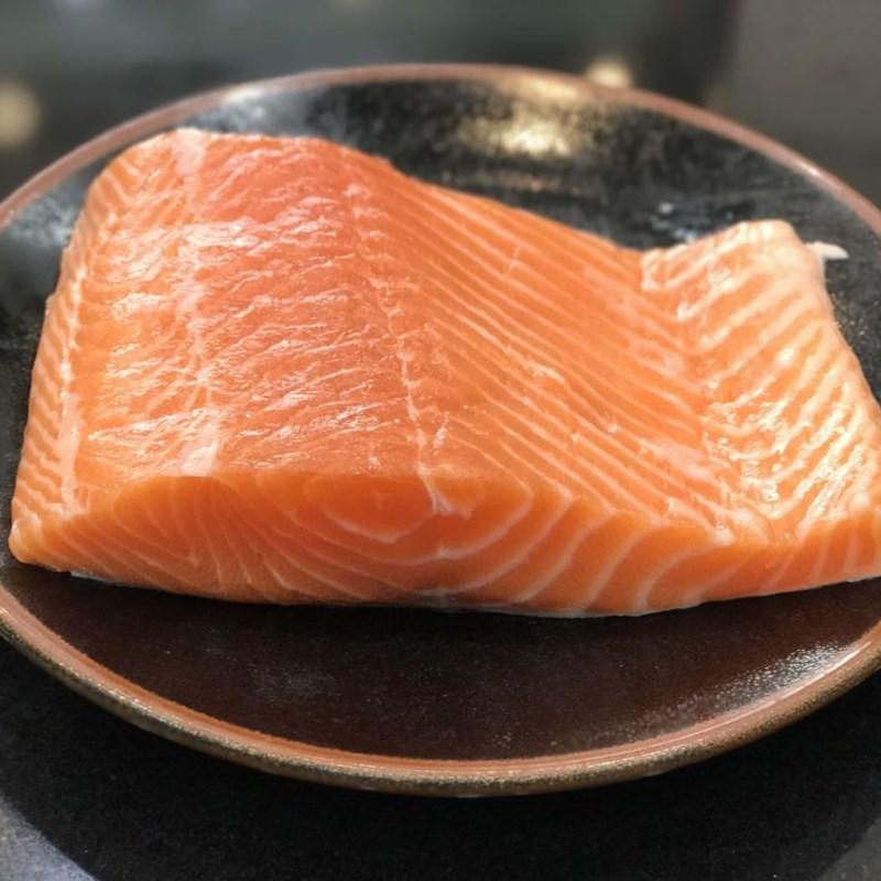 Bước 1 Sơ chế nguyên liệu Salad  cá hồi dầu giấm