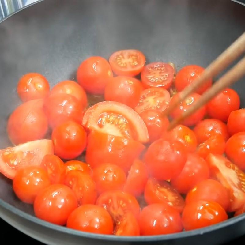 Bước 5 Xào cà chua Bún riêu cua bằng cua hộp