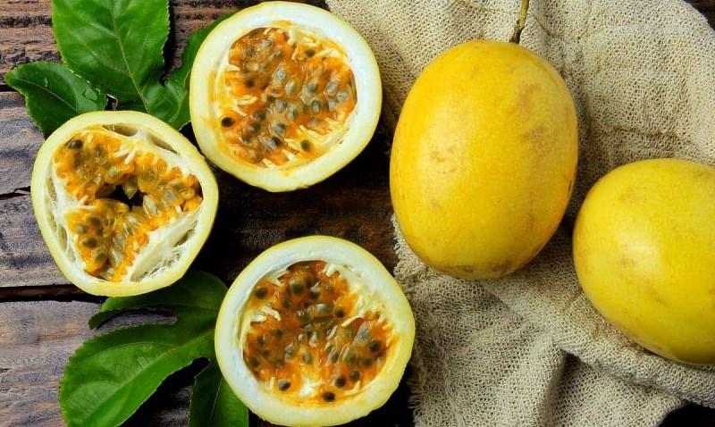 Quả chanh dây màu vàng (Golden Passion Fruit)