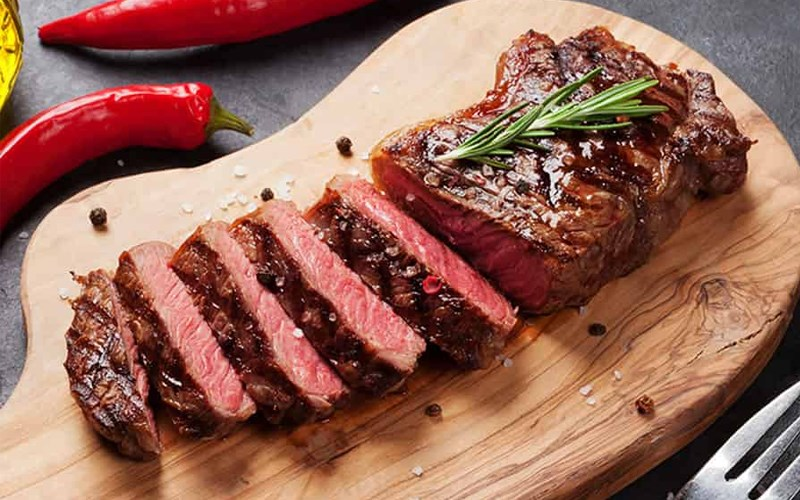 Thăn lưng bò (striploin steak)