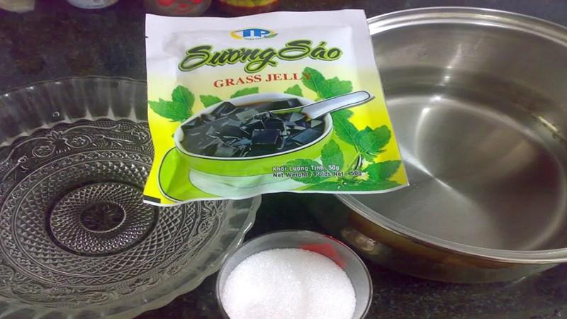 Nguyên liệu món ăn sương sáo đen từ lá và bột