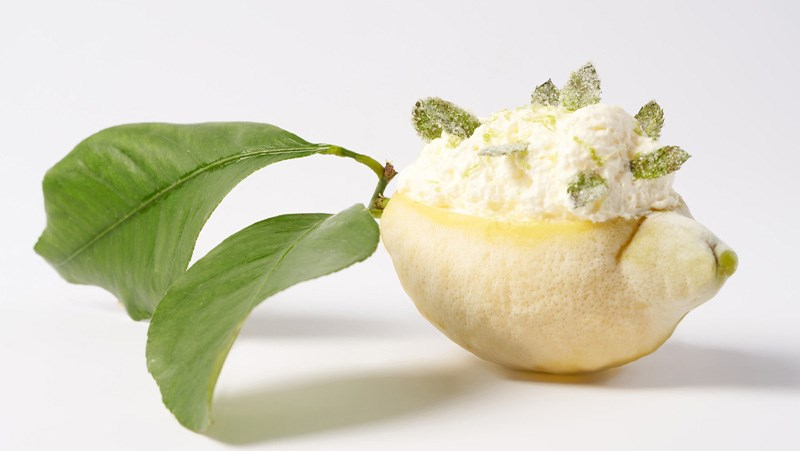 Givré là món sorbet được phục vụ trong vỏ trái cây