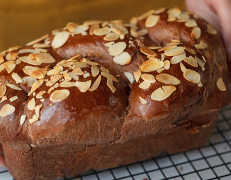 Bánh mì hoa cúc socola