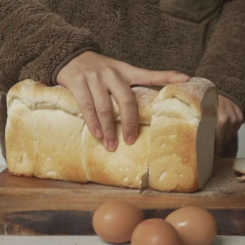 Bước 1 Chuẩn bị bánh mì Sandwich trứng kiểu Hàn