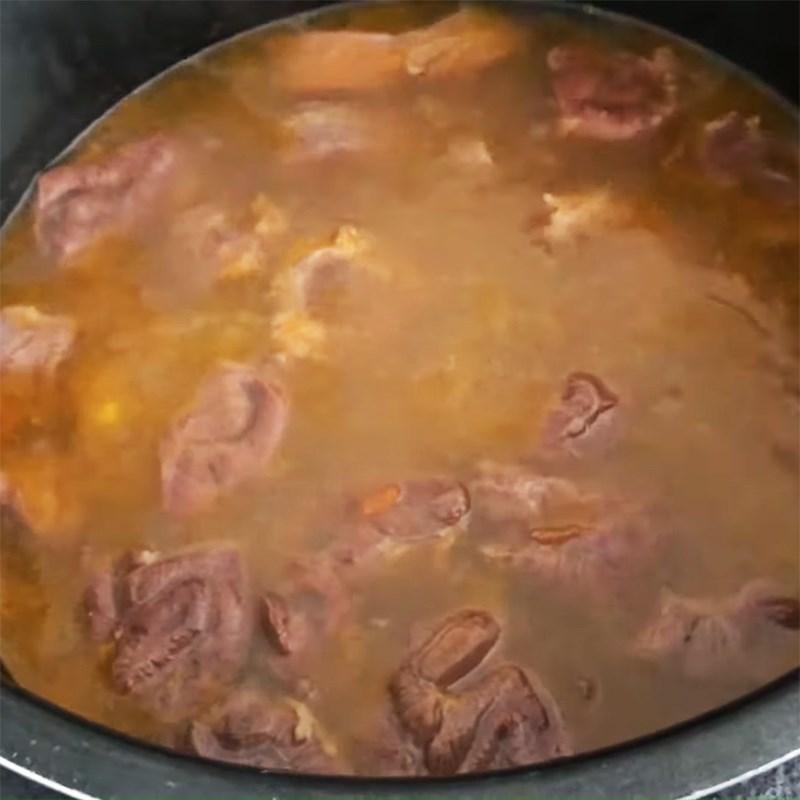 Bước 6 Ninh thịt bò Lagu bò