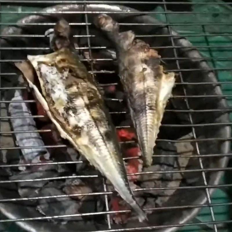 Bước 3 Nướng cá Cá sòng nướng mỡ hành