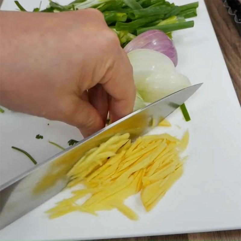 Bước 3 Sơ chế các nguyên liệu khác Cá diêu hồng hấp hành gừng