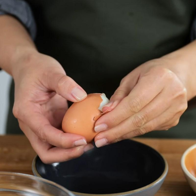 Bước 2 Trộn nhân trứng Sandwich trứng kiểu Nhật