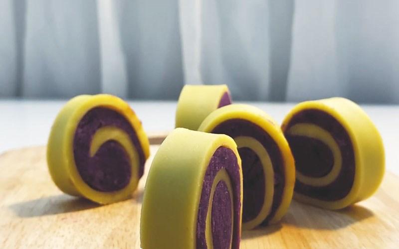 Cuộn khoai lang tím