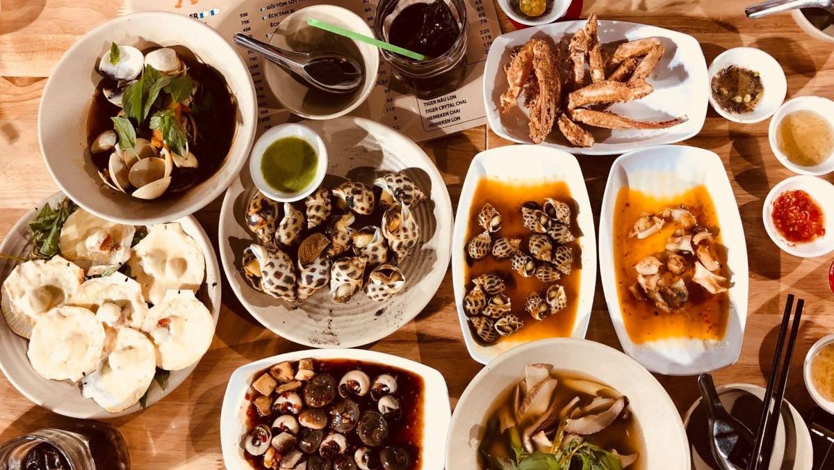 20 địa điểm ăn vặt ở Sài Gòn