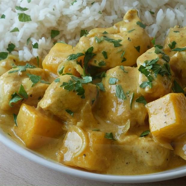 3 cách nấu cà ri gà Ấn Độ sốt xoài, sốt bơ và sốt masala