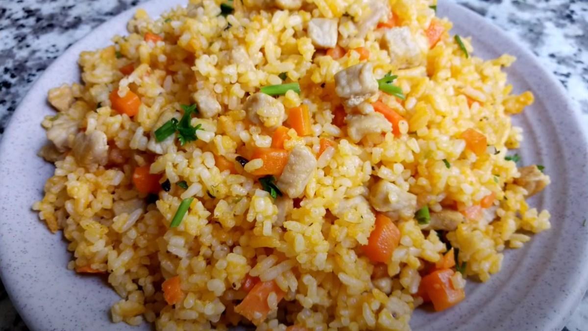 Cơm cuộn thịt heo muối