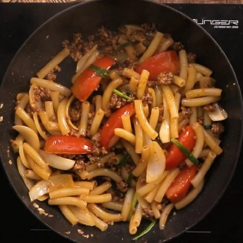 Bước 5 Thành phẩm Nui xào bò bằm cà chua