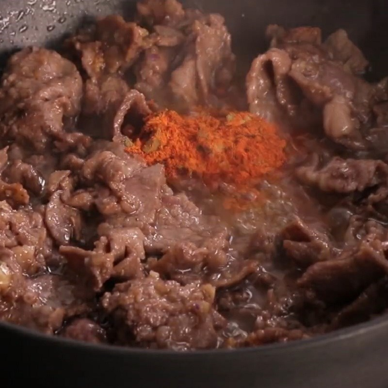 Bước 4 Xào thịt bò Nui xào bò sốt bò kho