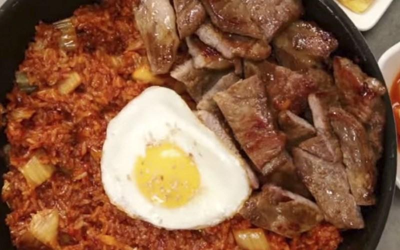 Cơm chiên bò kim chi