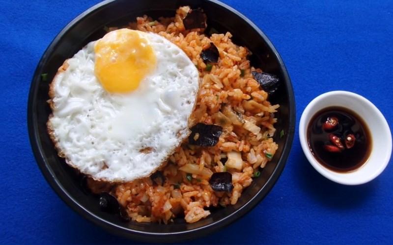 Cơm Chiên Rong Biển Kimchi