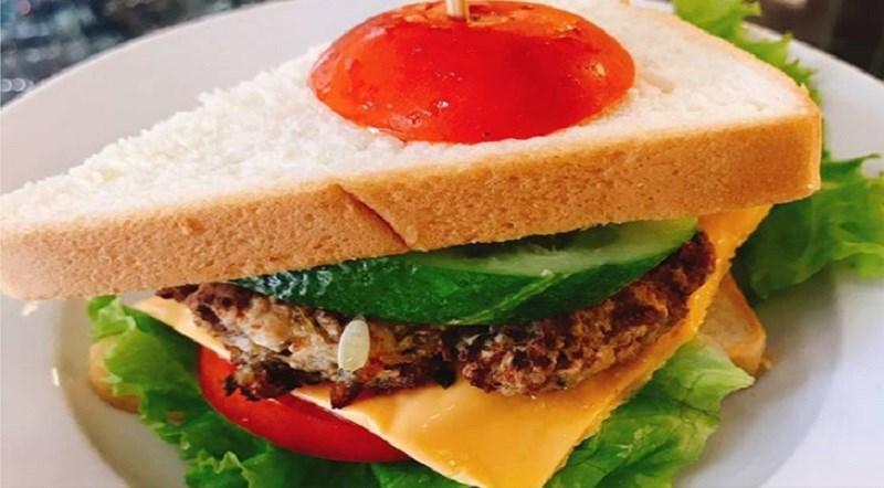 Bánh mì sandwich thịt băm