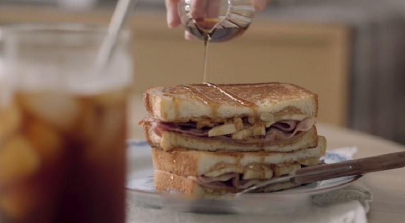 Bánh mì sandwich kẹp thịt nguội
