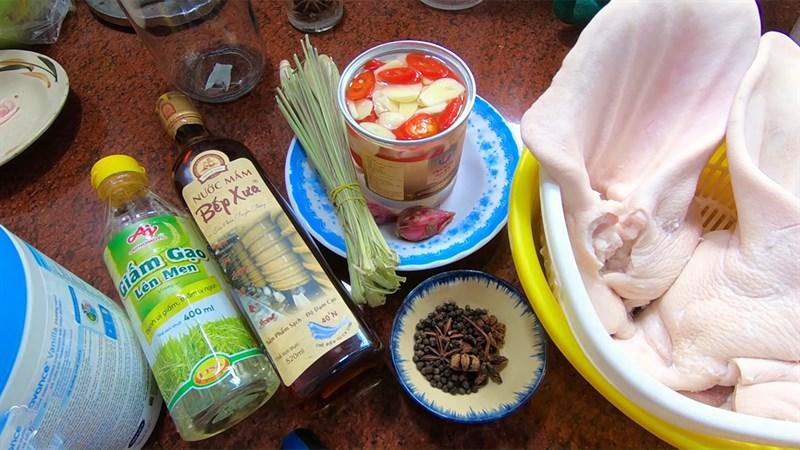 Nguyên liệu món ăn cách làm tai heo ngâm nước mắm