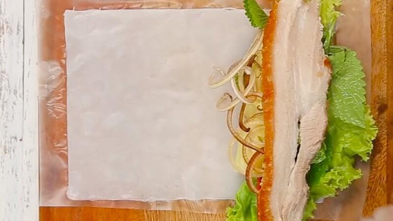 Bánh tráng cuốn thịt và bánh tráng bột lọc