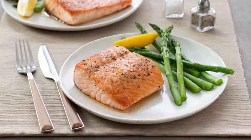 Cá hồi là thực phẩm tốt cho triệu chứng Hangover