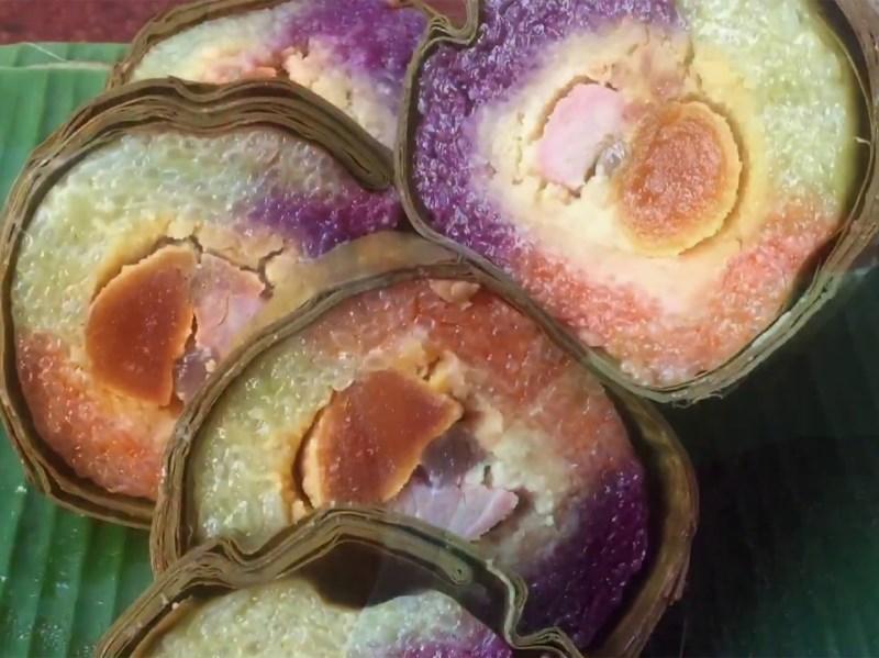 Bánh tét ngũ sắc