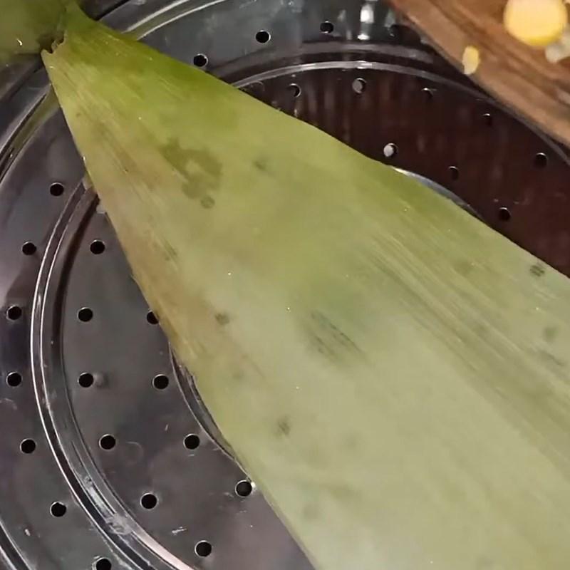 Bước 2 Hấp bắp Bắp xào bơ