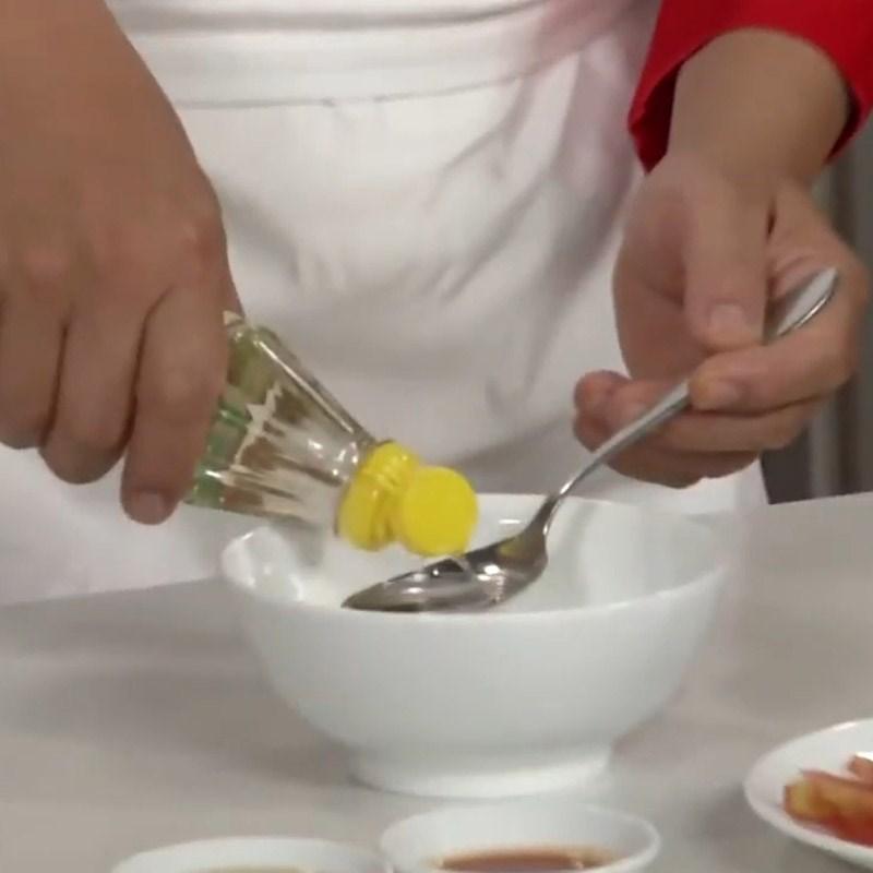 Bước 3 Làm nước trộn salad Salad cá hồi húng quế