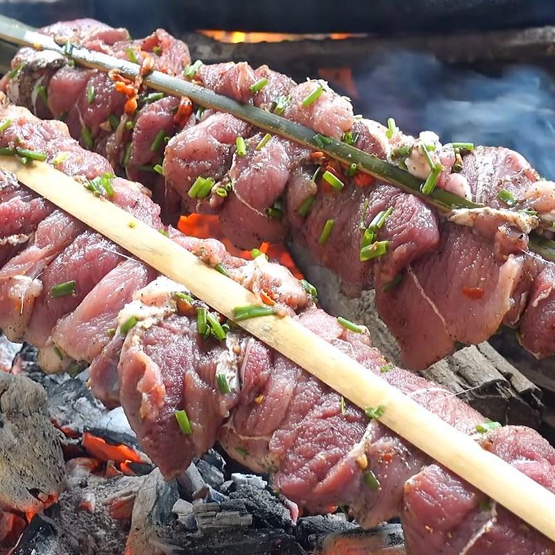 Bước 3 Nướng thịt heo rừng Thịt heo rừng nướng muối ớt