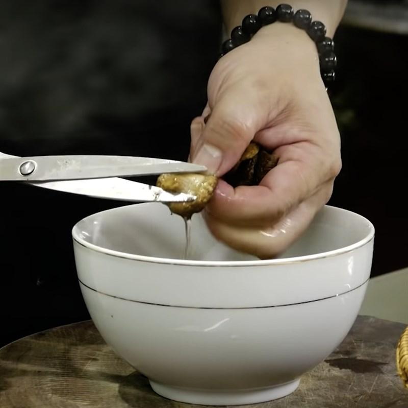 2 cách làm tôm xào nấm hương và nấm linh chi thơm ngon, đơn giản
