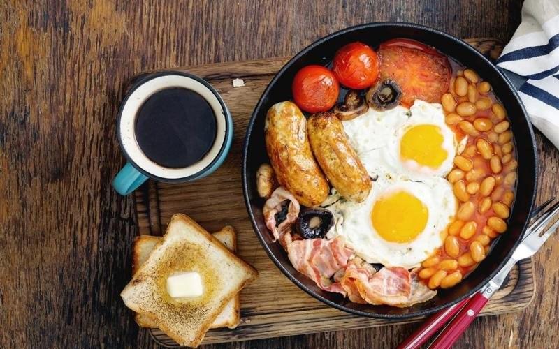 Cà phê và bữa sáng