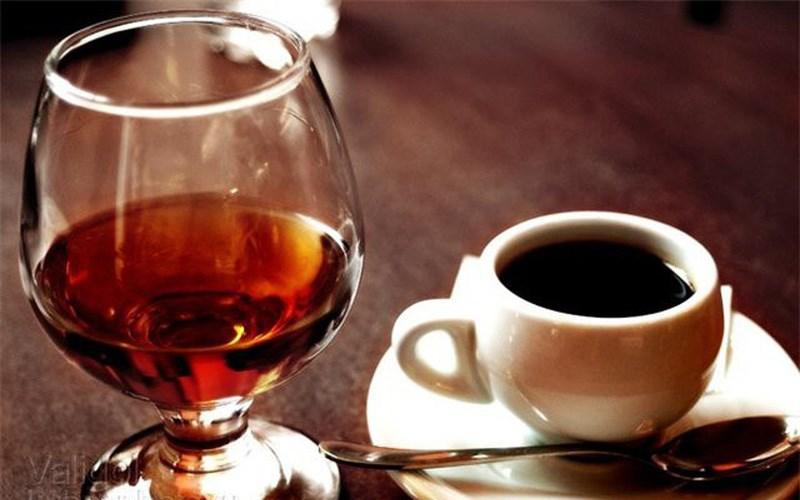 Cà phê và rượu
