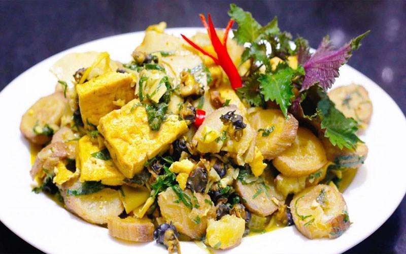 Ốc nấu chuối xanh (ốc om chuối đậu)