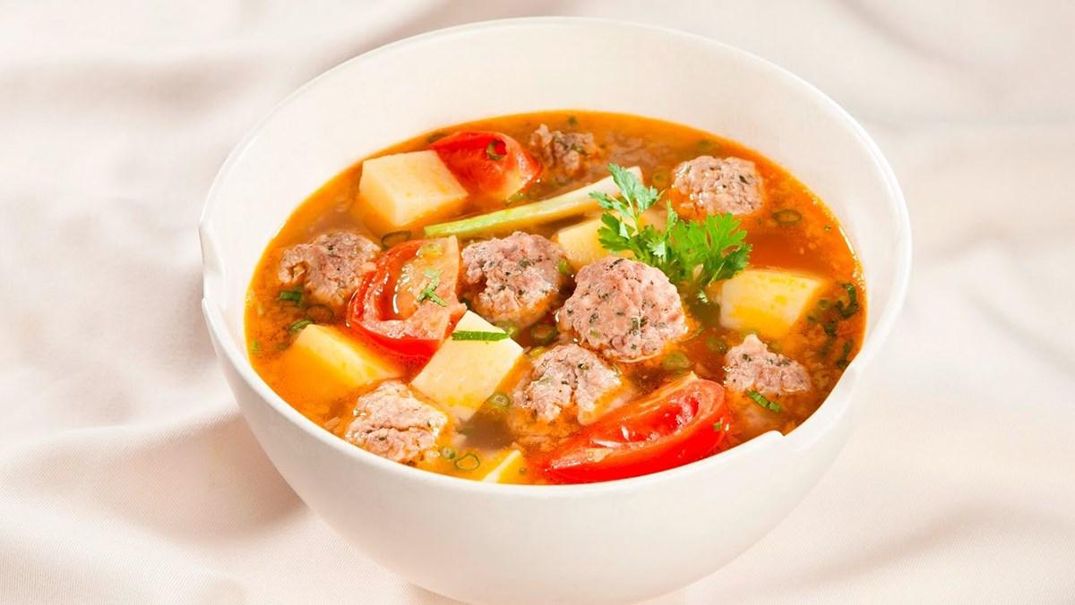 Canh khoai tây cà chua thịt bò