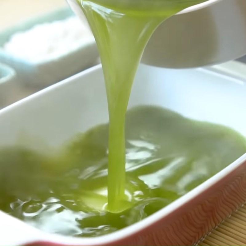 Bước 2 Đổ khuôn thành trà xanh Bingsu Matcha trà xanh đậu đỏ