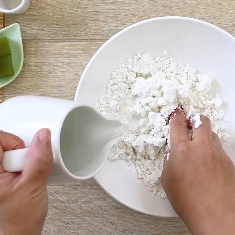 Bước 3 Nhào bột bánh mochi Bingsu Matcha trà xanh đậu đỏ
