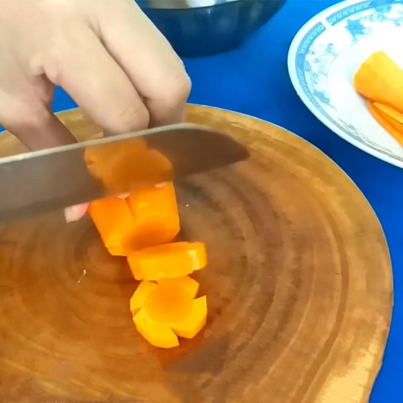 Bước 2 Sơ chế các loại rau củ Canh khoai tây rau củ thịt gà