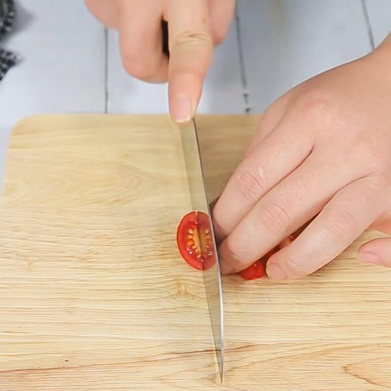 Bước 1 Sơ chế nguyên liệu Salad dưa chuột cà chua