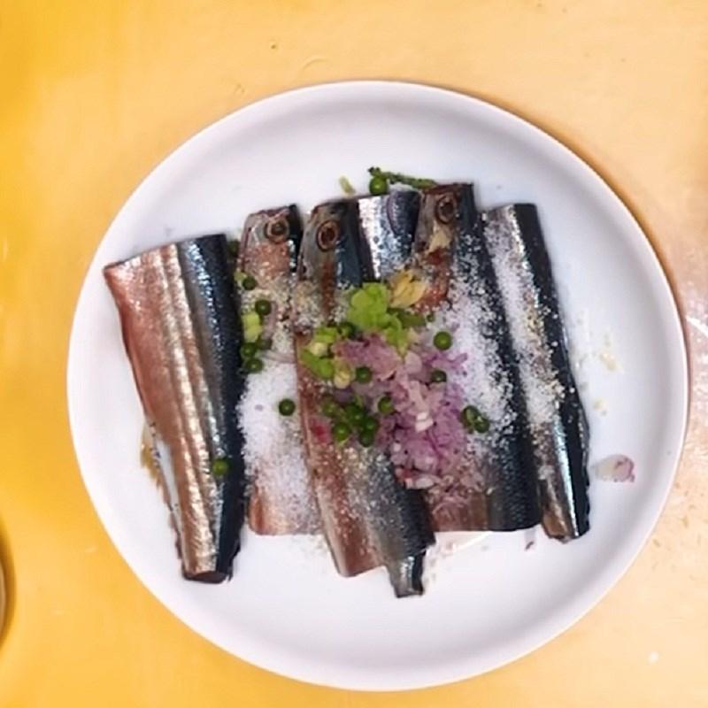 Bước 1 Sơ chế và ướp cá Cá thu Nhật kho cà chua