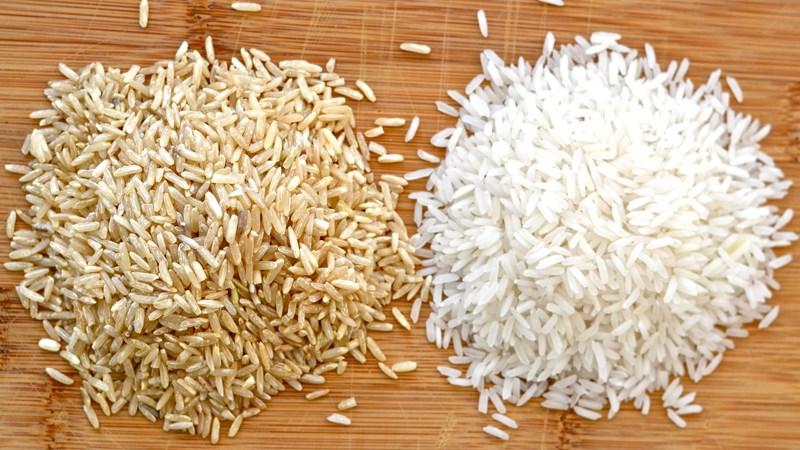 Nên chọn gạo lứt hay gạo trắng?