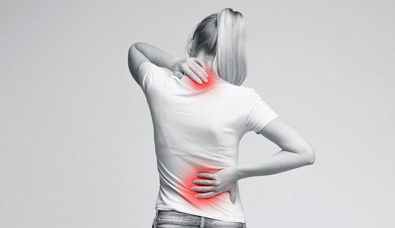 Tinh dầu tỏi hỗ trợ điều trị đau nhức
