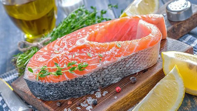 Lợi ích của cá béo đối với não bộ